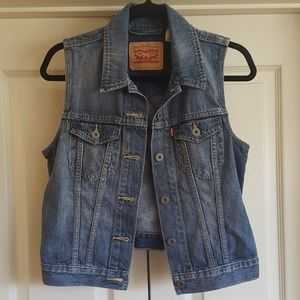 Medium Levi's Denim Vest